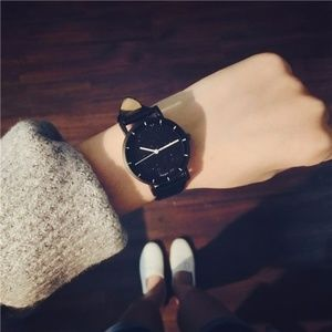 ❤️NEW Small Dial simple Glitter Leather Watch